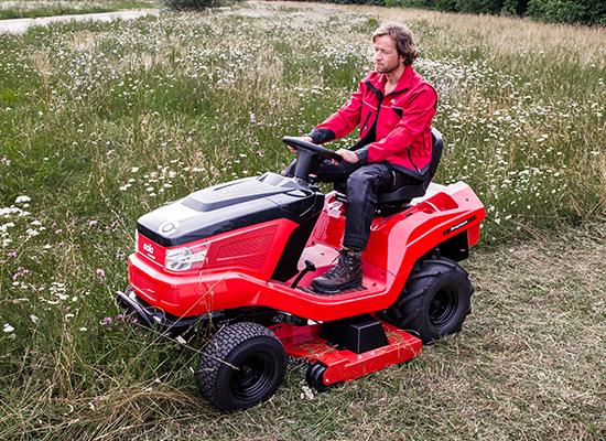 Zahradní traktory | Ergonomický posed